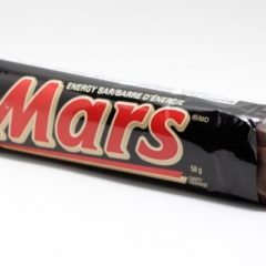 Mars Agrees to Label GMOs